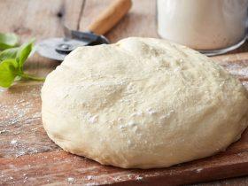 طرز تهیه خمیر پیتزا خانگی به روش ساده