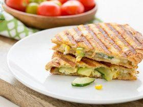 طرز تهیه ساندویچ ذرت پنیری به دو روش